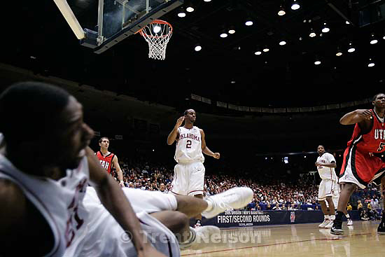 Utah vs. Oklahoma, NCAA mens basketball tournament, at the University of Arizona. Utah wins.&amp;#xA;; 3.19.2005<br />