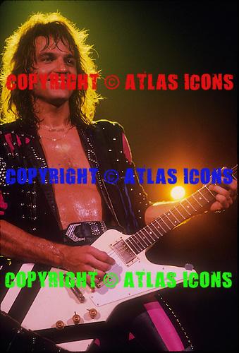 SCORPIONS, LIVE, 1988, NEIL ZLOZOWER