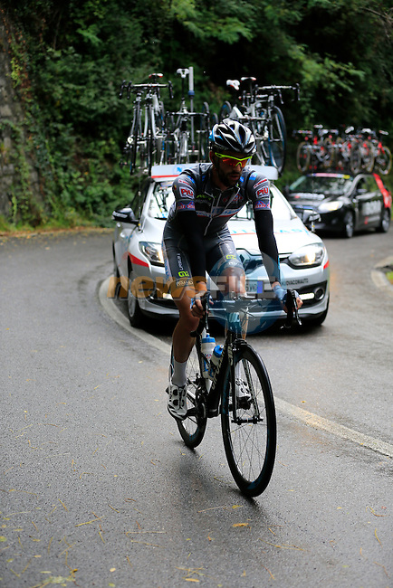 The peloton including Samuele Conti (ITA) Southeast climbs Colle Gallo during the last classic of the season Il Lombardia 2015 running 245km from Bergamo to Como, Italy. 4th October 2015.<br /> Picture: Eoin Clarke | Newsfile