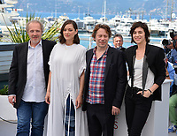 Arnaud Desplechin, Marion Cotillard, Mathieu Amalric &amp; Charlotte Gainsbourg at the photocall for &quot;Ismael's Ghosts&quot; at the 70th Festival de Cannes, Cannes, France. 17 May 2017<br /> Picture: Paul Smith/Featureflash/SilverHub 0208 004 5359 sales@silverhubmedia.com