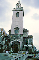 Sir Christopher Wren: St. James Garlickhythe 1674-87. Steeple 1713.