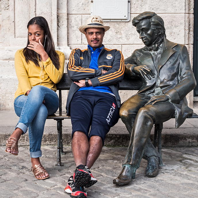 Tourists with Chopin statue, Plaza de San Francisco, La Habana Vieja