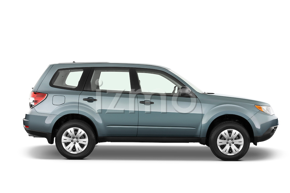 Passenger side profile view of a 2009 Subaru Forester.