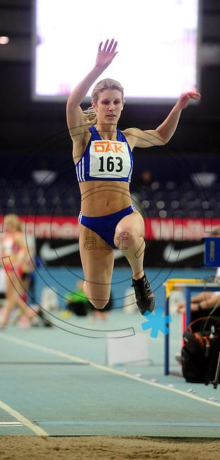 Leichtathletik - DHM 2009 Deutsche Hallenmeisterschaften - ARENA Leipzig - Track and Field - im Bild: Dreisprung Triple jump Women Frauen - PFEIFER, Isabel (TV Gelnhausen) . Porträt.Foto: Norman Rembarz..Norman Rembarz, Holbeinstr. 14, 04229 Leipzig, Hypo-Vereinsbank, BLZ: 86020086, Kto: 357889472, Ust. ID.: DE 256991963 St. Nr.: 231/261/06432 !!!!!!  Honorar zuzüglich 7 % Mwst !!!!!!!!
