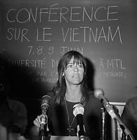L'actrice Jane Fonda<br />  lors d'une Conference sur le Vietnam, a l' UQAM en juin 1974.<br /> <br /> PHOTO : Agence Quebec Presse - Roland Lachance