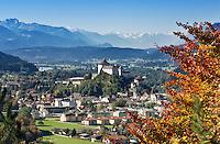 Austria, Tyrol, Kufstein at river Inn with fortress Kufstein, background Zillertal Alps | Oesterreich, Tirol, Kufstein am Inn: mit Festung Kufstein, im Hintergrund Alpenhauptkamm mit den Zillertaler Alpen