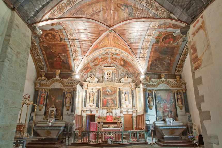 France, Bretagne, Morbihan (56), Noyal-Pontivy, chapelle Sainte-Noyale, l'intérieur aux plafond peints // France, Bretagne, Morbihan, Noyal-Pontivy, chapel Sainte-Noyale, within the ceiling painted.