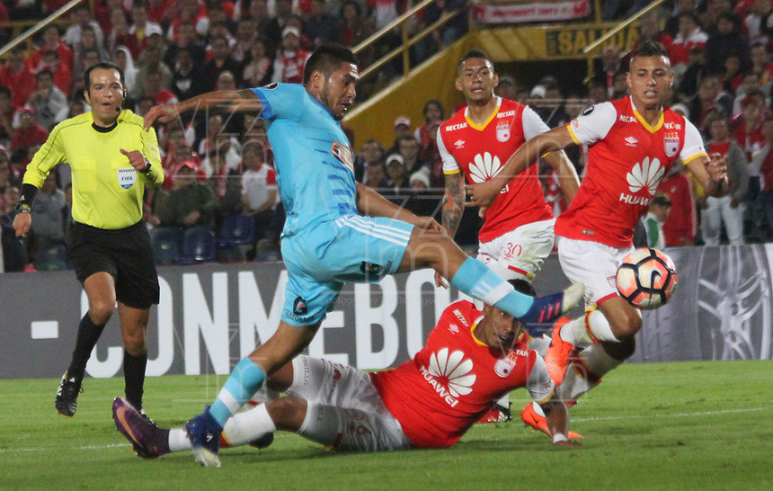 BOGOTA -COLOMBIA, 4-03-2017. Action game between Independiente Santa Fe of Colombia and Sporting Cristal of Peru during match for the date 2   for the Conmebol Libertadores Bridgestone Cup 2017 played at Nemesio Camacho El Campin stadium . Photo:VizzorImage / Felipe Caicedo  / Staff