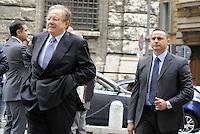 Roma, 13 ottobre 2011.Parlamentari e ministri entrano in Parlamento per l'intervento del presidente silvio Berlusconi.Nella foto:Altero Matteoli ministro dei Trasporti