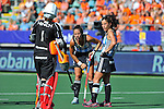 The Hague, Netherlands, June 08: During the field hockey group match (Women - Group B) between England and Argentina on June 8, 2014 during the World Cup 2014 at Kyocera Stadium in The Hague, Netherlands. Final score 1-2 (1-1)  (Photo by Dirk Markgraf / www.265-images.com) *** Local caption *** Maddie Hinch #1 of England, Silvina D Elia #25 of Argentina, Rosario Luchetti #4 of Argentina