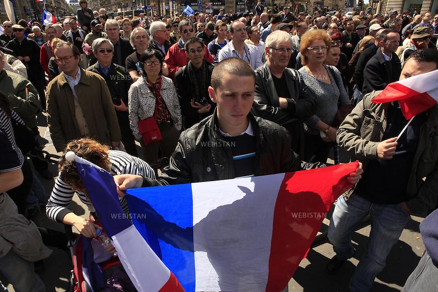 FRANCE. PARIS. 01/05/2012: .Defile du 1er Mai. .Defile de Jeanne d'Arc, rassemblement du Front National, dans le 1er arrondissement. ..FRANCE. PARIS. 01/05/2012:.May Day demonstrations..Joan of Arc demonstration, gathering of Front National, in the 1st district.