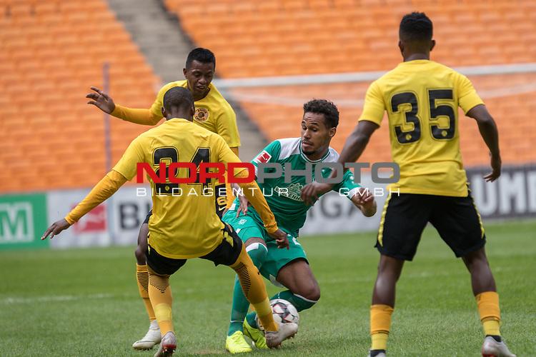 06.01.2019, FNB Stadion/Soccer City, Nasrec, Johannesburg, RSA, FSP , SV Werder Bremen (GER) vs Kaizer Chiefs (ZA)<br /> <br /> im Bild / picture shows <br /> <br /> Theodor Gebre Selassie (Werder Bremen #23)<br /> #Itumeleng Khune (Kaizer Chiefs #32)<br /> <br /> Foto © nordphoto / Kokenge