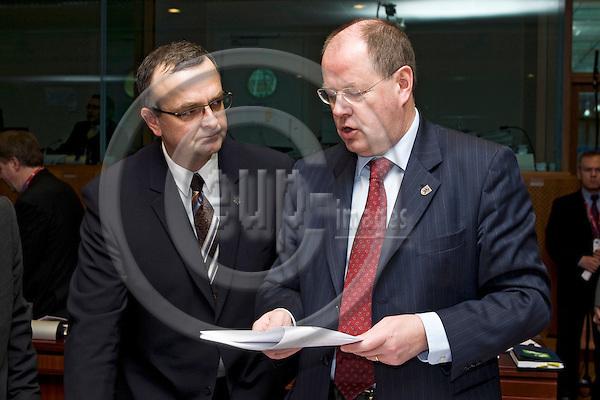 BRUSSELS - BELGIUM - 14 MARCH 2007 -- European Council - EU Summit under Slovenian Presidency. -- Miroslav KALOUSEK (Le) Finance Minister of the Czech Republic with Peer STEINBRÜCK(Steinbrueck, Steinbruck) Finance Minister of Germany. -- Photo: Juha ROININEN / EUP-IMAGES