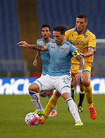 Calcio, Serie A: Lazio vs Frosinone. Roma, stadio Olimpico, 4 ottobre 2015.<br /> Lazio's Lucas Biglia, left, is challenged by Frosinone's Daniel Ciofani during the Italian Serie A football match between Lazio and Frosinone at Rome's Olympic stadium, 4 October 2015.<br /> UPDATE IMAGES PRESS/Isabella Bonotto