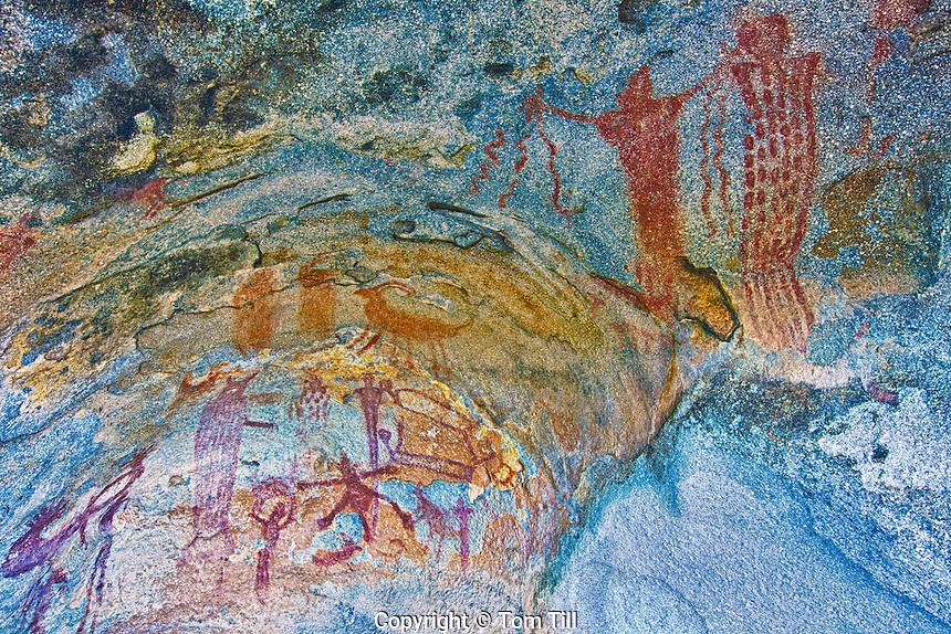 Ancient Barrier Canyon style pictographs, Utah Rock art paintings on granite boulder