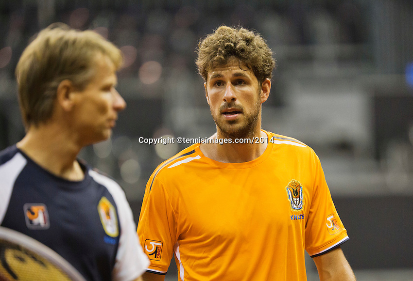September 08, 2014,Netherlands, Amsterdam, Ziggo Dome, Davis Cup Netherlands-Croatia, Training Dutch  Team, Robin Haase  left captain Jan Siemerink<br /> Photo: Tennisimages/Henk Koster