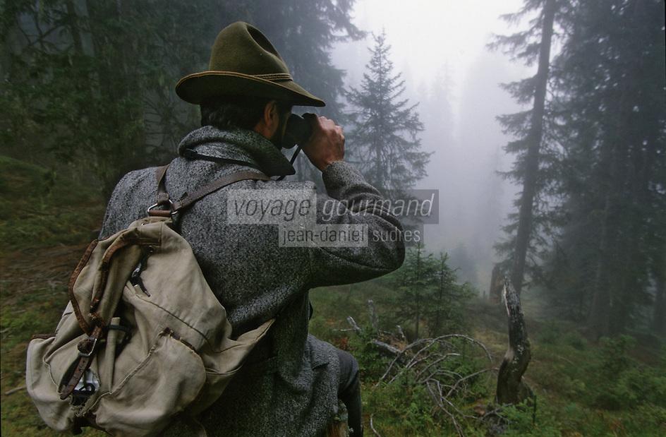 """Europe/Autriche/Tyrol/ENV Axams: Fritz Ehrensperger au refuge de """"Schwarzenegg"""" lors d'une partie de chasse - AUTORISATION N°A26"""