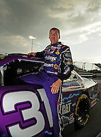 May 1, 2009; Richmond, VA, USA; NASCAR Sprint Cup Series driver Jeff Burton during qualifying for the Russ Friedman 400 at the Richmond International Raceway. Mandatory Credit: Mark J. Rebilas-