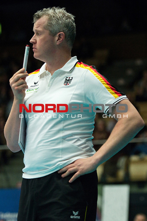 29.12.2013, Lotto Dome, Maaseik<br /> Volleyball, Belgien vs. Deutschland<br /> <br /> Vital Heynen (Bundestrainer / Trainer GER)<br /> <br />   Foto &copy; nordphoto / Kurth