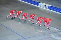 SCHAATSEN: HEERENVEEN: Thialf, 14-06-2012, Zomerijs, Janine Smit, trainster Marianne Timmer, Yvonne Nauta, Thijsje Oenema, Mayon Kuipers, Margot Boer, ©foto Martin de Jong
