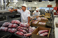 "URUGUAY Schlachthof der MARFRIG Gruppe, ein brasilienanisches Unternehmen, in Tacuarembo, Herstellung von Rindfleisch Steakfleisch Hamburger  | .URUGUAY slaughterhouse of MAFRIG Group in Tacuarembo , meat steak and hamburger production for export  .| [ copyright (c) Joerg Boethling / agenda , Veroeffentlichung nur gegen Honorar und Belegexemplar an / publication only with royalties and copy to:  agenda PG   Rothestr. 66   Germany D-22765 Hamburg   ph. ++49 40 391 907 14   e-mail: boethling@agenda-fototext.de   www.agenda-fototext.de   Bank: Hamburger Sparkasse  BLZ 200 505 50  Kto. 1281 120 178   IBAN: DE96 2005 0550 1281 1201 78   BIC: ""HASPDEHH"" ,  WEITERE MOTIVE ZU DIESEM THEMA SIND VORHANDEN!! MORE PICTURES ON THIS SUBJECT AVAILABLE!! ] [#0,26,121#]"