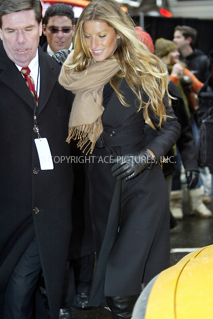 WWW.ACEPIXS.COM . . . . . ....NEW YORK, MARCH 1, 2005....Giselle Bundchen in Times Square as Victoria's Secret debuts their new bra line and commercial on the Ipex Jumbotron.....Please byline: IAN WINGFIELD - ACE PICTURES.. . . . . . ..Ace Pictures, Inc:  ..Philip Vaughan (646) 769-0430..e-mail: info@acepixs.com..web: http://www.acepixs.com