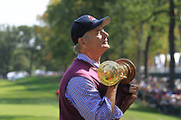 Actor Bill Murray makes off with the Ryder Cup on the 1st tee for the Captains/Celebrity scramble exhibition during Monday's Practice Day of the 39th Ryder Cup at Medinah Country Club, Chicago, Illinois 25th September 2012 (Photo Eoin Clarke/www.golffile.ie)