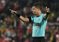 BOGOTÁ - COLOMBIA, 08-04-2018: John Ospina, árbitro, durante el partido entre Independiente Santa Fe y Rionegro Águilas por la fecha 13 de la Liga Águila I 2018 jugado en el estadio Nemesio Camacho El Campin de la ciudad de Bogotá. / John Ospina, referee,  during match between Independiente Santa Fe and Rionegro Aguilas for the date 13 of the Aguila League I 2018 played at the Nemesio Camacho El Campin Stadium in Bogota city. Photo: VizzorImage/ Gabriel Aponte / Staff