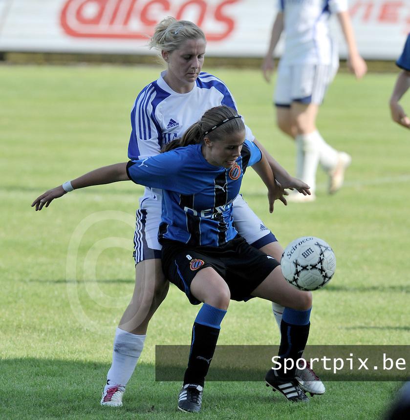Club Brugge Dames : duel tussen Nina Vindevoghel en Davina Calles van Rassing Harelbeke.Foto DAVID CATRY / Vrouwenteam.be