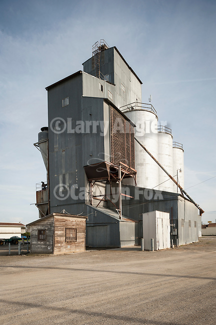 Grain elevator, Sacramento Valley, Calif.
