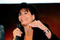 Anne Sinclair, direttrice editoriale dell'Huffington Post giornale web versione francese.Parigi 23/1/2012 .Presentazione della versione francese del sito Huffington Post.Foto Insidefoto / Anthony Ghnassia / Panoramic