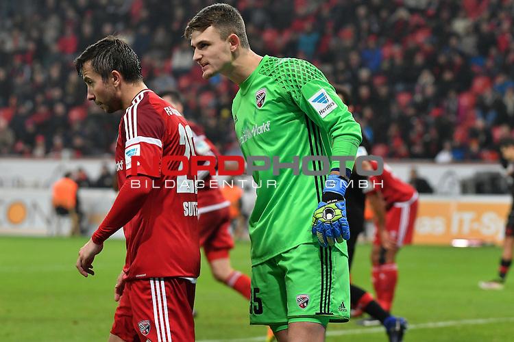 18.12.2016, BayArena, Leverkusen , GER, 1.FBL., Bayer Leverkusen 04 vs. FC Ingolstadt <br /> <br /> im Bild / picture shows: <br /> MARTIN HANSEN Torwart (FC Ingolstadt #35), schimpft mit seinem Kollegen MARKUS SUTTNER (FC Ingolstadt #29),<br /> <br /> <br /> <br /> Foto &copy; nordphoto / Meuter