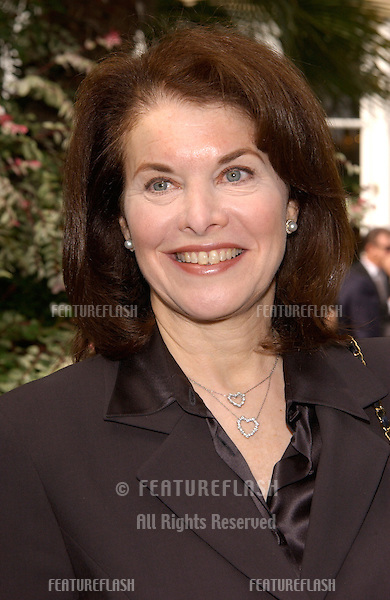 Paramount Pictures boss SHERRY LANSING at Premiere Magazine's Women in Hollywood luncheon at the Four Seasons Hotel, Beverly Hills..22OCT2001.  © Paul Smith/Featureflash