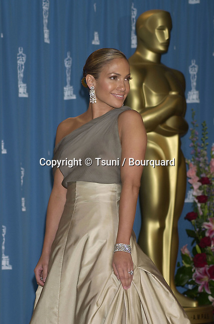 Jennifer Lopez backstage at the 73rd Annual Academy Awards at the Shrine Auditorium in Los Angeles, Sun. March 25, 2001. (photo by © Tsuni)          -            LopezJennifer07.jpg