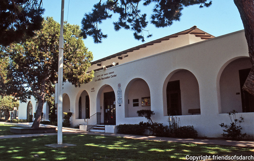 Irving Gill: La Jolla Recreation Center, 615 Prospect St.  A gift from Ellen Browning Scripps to the City of San Diego. July 3, 1915. Early Modernism. Photo Oct. 1999.