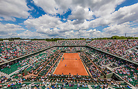 Paris, France, 5 June, 2017, Tennis, French Open, Roland Garros,  overall vieuw of Court Philippe Chatrier , Centercourt<br /> Photo: Henk Koster/tennisimages.com