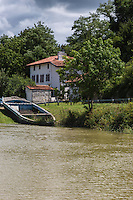 France, Aquitaine, Pyrénées-Atlantiques, Pays Basque,  Guiche: le port sur l' Adour, ancienne galupe/  //  France, Pyrenees Atlantiques, Basque Country, Guiche: Adour river port