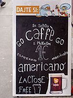 Caf&eacute; am Kollarovo nam. Bratislava, Bratislavsky kraj, Slowakei, Europa<br /> Caf&egrave; at Kollarovo nam., Bratislava, Bratislavsky kraj, Slowakia, Europe