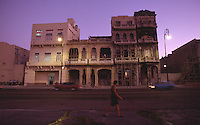 12 FEB 2003 - HAVANA, CUBA - The Malecon at dusk. (PHOTO (C) NIGEL FARROW)