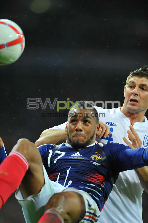 Yann M'VILA / Steven GERRARD - 17/11/2010 - Angleterre / France - Match amical, Wembley Stadium, London. Photo: Dave Winter / Icon Sport.