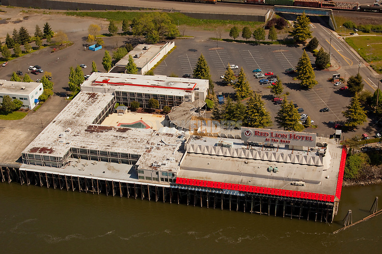 Aerial View of the Red Lion Hotel in Vancouver, Washington