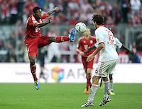 FUSSBALL   1. BUNDESLIGA  SAISON 2011/2012   11. Spieltag FC Bayern Muenchen - FC Nuernberg        29.10.2011 David Alaba (li, FC Bayern Muenchen)  gegen Timothy Chandler (1 FC Nuernberg)
