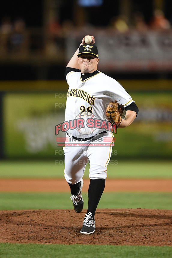 Bradenton Marauders pitcher Brett McKinney (28) delivers a pitch during a game against the St. Lucie Mets on April 11, 2015 at McKechnie Field in Bradenton, Florida.  St. Lucie defeated Bradenton 3-2.  (Mike Janes/Four Seam Images)