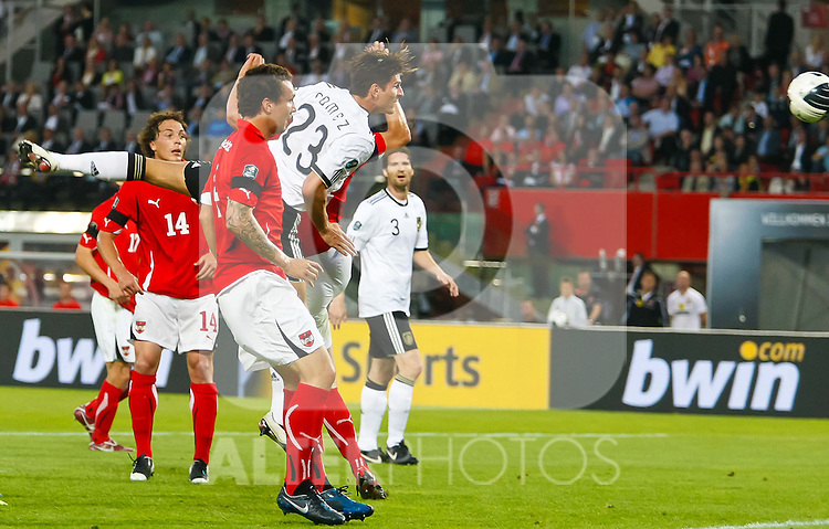 03.06.2011, Ernst Happel Stadion, Wien, AUT, UEFA EURO 2012, Qualifikation, Oesterreich (AUT) vs Deutschland (GER), im Bild kopfball durch Mario Gomez, (GER, #23  // during the UEFA Euro 2012 Qualifier Game, Austria vs Germany, at Ernst Happel Stadium, Vienna, 2010-06-03, EXPA Pictures © 2011, PhotoCredit: EXPA/ E. Scheriau