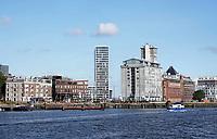 Nederland - Amsterdam - 2018. Het IJ. Westerdoksdijk en de Silodam.   Foto Berlinda van Dam / Hollandse Hoogte.