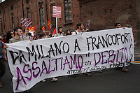 Milano: manifestazione «Occupyamo piazza Affari» per protestare contro la crisi economica e la manovra economica del Governo Monti..