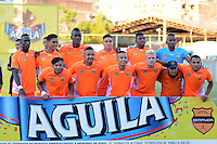MEDELLIN -COLOMBIA, 09-07-2016. Formación del Envigado contra Huila.Acción de juego entre el Envigado y el Huila durante encuentro  por la fecha 2 de la Liga Aguila II 2016 disputado en el estadio Polideportivo Sur ./  Team of Envigado against Huila.Actions game between Envigado and   Huila    during match for the date 2 of the Aguila League II 2016 played at Polideportivo  Sur stadium . Photo:VizzorImage / León Monsalve   / Contribuidor