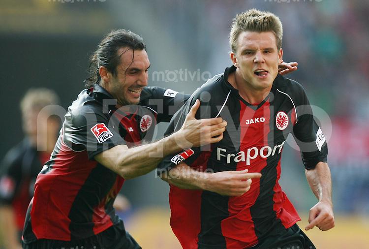 Fussball 1. Bundesliga Saison 2006/2007    6. Spieltag           Eintracht Frankfurt - Hamburger SV Torschuetze Alexander MEIER (rechts) und sein Mannschaftskollege Sotirios KYRGIAKOS (links, beide Frankfurt) jubel ueber das 1:0.