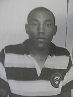 SÃO PAULO - SP - 21  DE ABRIL 2013. PRESOS, os assassinos de Daniela de Oliveira, a mulher grávida que foi baleada na cabeça em uma tentativa de assalto na região do Campo Limpo, na Zona Sul de São Paulo, em 10 de janeiro de 2013. Allan dos Santos (19) confessou que atirou e seu primo Bruna dos Santos (20) era que pilotava a motocicleta. Ambos foram detidos pela ROTA no começo da noite de sabado (20) e levados ao 89DP aonde confessaram o crime. Na foto ALLAN DOS SANTOS. REPRODUCAO. MAURICIO CAMARGO / BRAZIL PHOTO PRESS).