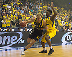 08.05.2018, EWE Arena, Oldenburg, GER, BBL, Playoff, Viertelfinale Spiel 2, EWE Baskets Oldenburg vs ALBA Berlin, im Bild<br /> <br />  (EWE Baskets Oldenburg  #  )<br /> (ALBA Berlin # )<br /> Foto &copy; nordphoto / Rojahn